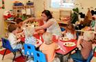 Хранят децата в детски градини предимно с хляб и месо 12_1450278104