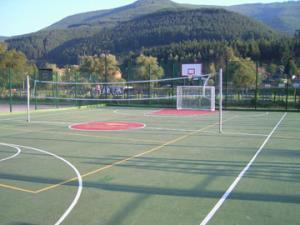 Кметът инспектира трите нови спортни игрища 07_1500652818