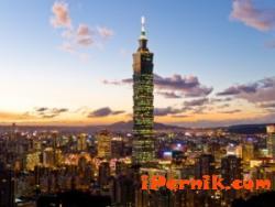 """Странна """"частна"""" симбиоза на посетилите Тайван депутати"""