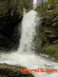 Из райските кътчета на Пернишко - Врабчански водопад