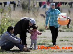 Бежанците в Ковачевци имат нужда от детски обувки