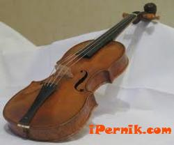 [Млади цигулари свириха в Двореца на културата