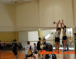 Момчетата до 15 години, които играят волейбол, започнаха с успех 07_1404196235