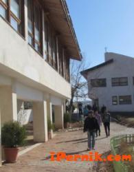 Жителите на Ковачевци не искат децата на бежанците в тяхното училище 09_1410769172