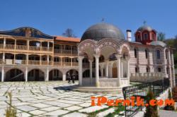 До Гигинския манастир ходиха младежи 09_1410774308