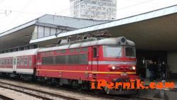 Човек загина след сблъсък на кола с влак на жп прелез 10_1412857632