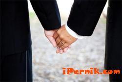 Съдът не дава на гей двойка да се разведе 12_1417775044