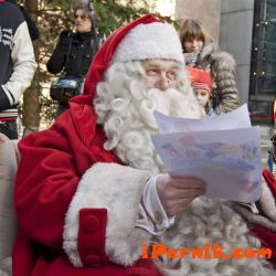 Дядо Коледа беше глобен за неправилно паркиране 12_1418306379