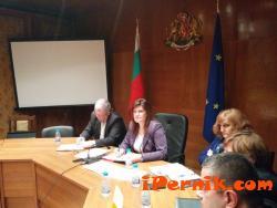 Директори на териториални звена се оплакаха на Ирена Соколова 02_1423488356