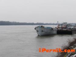 Корабче с опасни химикали потъна в Дунав 02_1423748538