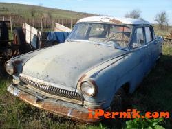 Премахват от тротоарите старите автомобили в Перник 03_1427531164