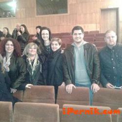 Театрална трупа получи подкрепа в Международния ден на театъра 03_1427531773