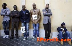Осигуряват 5 000 места за бежанците в Европа 04_1429777918