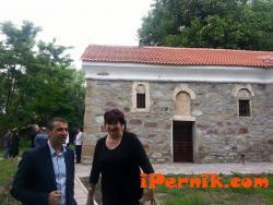 Валентин Павлов е сред дарителите за възстановяването на църквата в с. Мекщица 06_1435568165