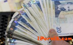 Помощите за бедните първокласници ще са 250 лв.. 07_1436442869