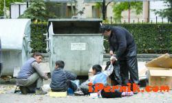 Клошари обират 70% от изхвърлените боклуци в кофите за смет 09_1441783210