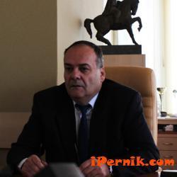 Кметът на Перник отправи поздравление към пернишките ученици 09_1442301160