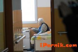 Над 1000 възрастни чакат за място в старчески дом 10_1445858389
