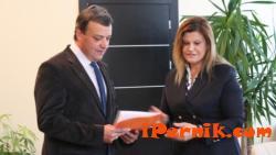 Ирена Соколова започна работа в парламента 11_1447483718
