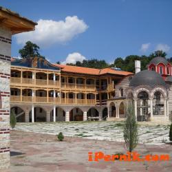 Дадоха пари на Гигинския манастир 11_1447946158