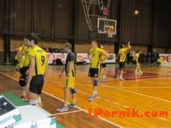 """Юношеският отбор по волейбол на """"Миньор"""" остава с 0 точки 11_1448430893"""