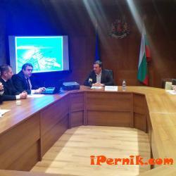 Обсъдиха либерализацията на електроенергийния пазар в Перник 11_1448473299