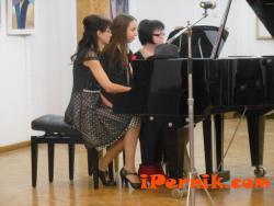Малките пианисти и певци на Младежки дом – Мошино покориха публиката 12_1450363834