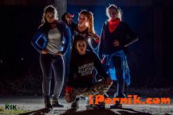 Част от момичетата на DA Clique изиграха хореография към последната песен на Гери-Никол 12_1450456644