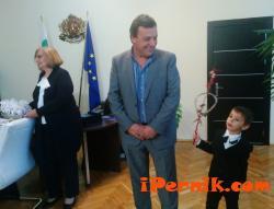 Деца посетиха областния управител 12_1450881097