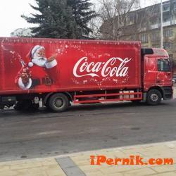 Кока Кола изненада пернишките хлапета за Коледа 12_1451297386