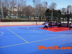 Нова спортна площадка изграждат младежите от БСП - Перник 01_1452591370