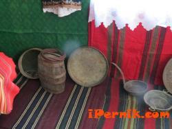 Читалището в Черна гора е в подготовка за предстоящия фестивал на маскарадните игри в Перник 01_1453446142