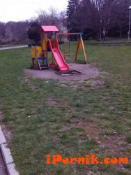 В четвъртък изтича срокът за подаване на оферти за участие в изграждането на детски площадки  03_1458666522