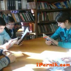 Ученици от втори до пети клас направиха най-дългия читателски дневник 04_1459662745