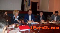 В Перник ще дават ваучери на пенсионери, които няма да получат великденски надбавки 04_1459666552