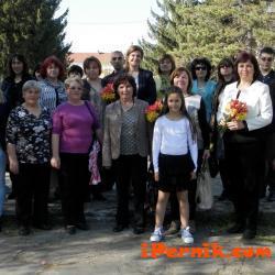 Ирена Соколова участва в засаждането на фиданки в Долни Дъбник 04_1459669408