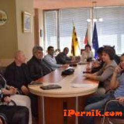 ГЕРБ ще провежда приемни в Перник 04_1460101290