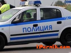 Радомирски полицаи задържаха малолетни за грабеж 04_1460104412