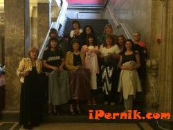 """Женската структура  на ПП ГЕРБ-Перник направи дарение за Общинския драматичен театър """"Боян Дановски"""" - Перник 06_1465711447"""