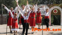 Перничани се включиха на фолклорен фестивал във Вършец 07_1467526270