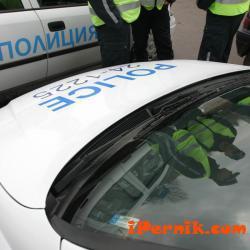 Първо районно управление Перник изяснява случай на кражба на части от луксозен джип БМВ Х 5 07_1469628876