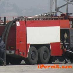Мебели и техника изгоряха при пожар в апартамент в Перник 11_1478150195