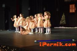 Ученици организираха благотворителен коледен концерт 12_1482300119