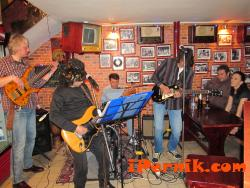 Концерт на група Перун с голяма коледна изненада в Rock'N'Roll Cafe Pernik на 27.12.2013 г.