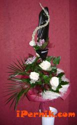 Букет от орхидея и роза